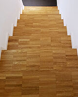 Mosaikparkett auf Trittstufen, Treppe von oben