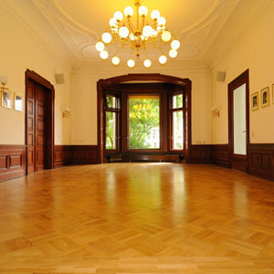 Parkett im Saal der SAW
